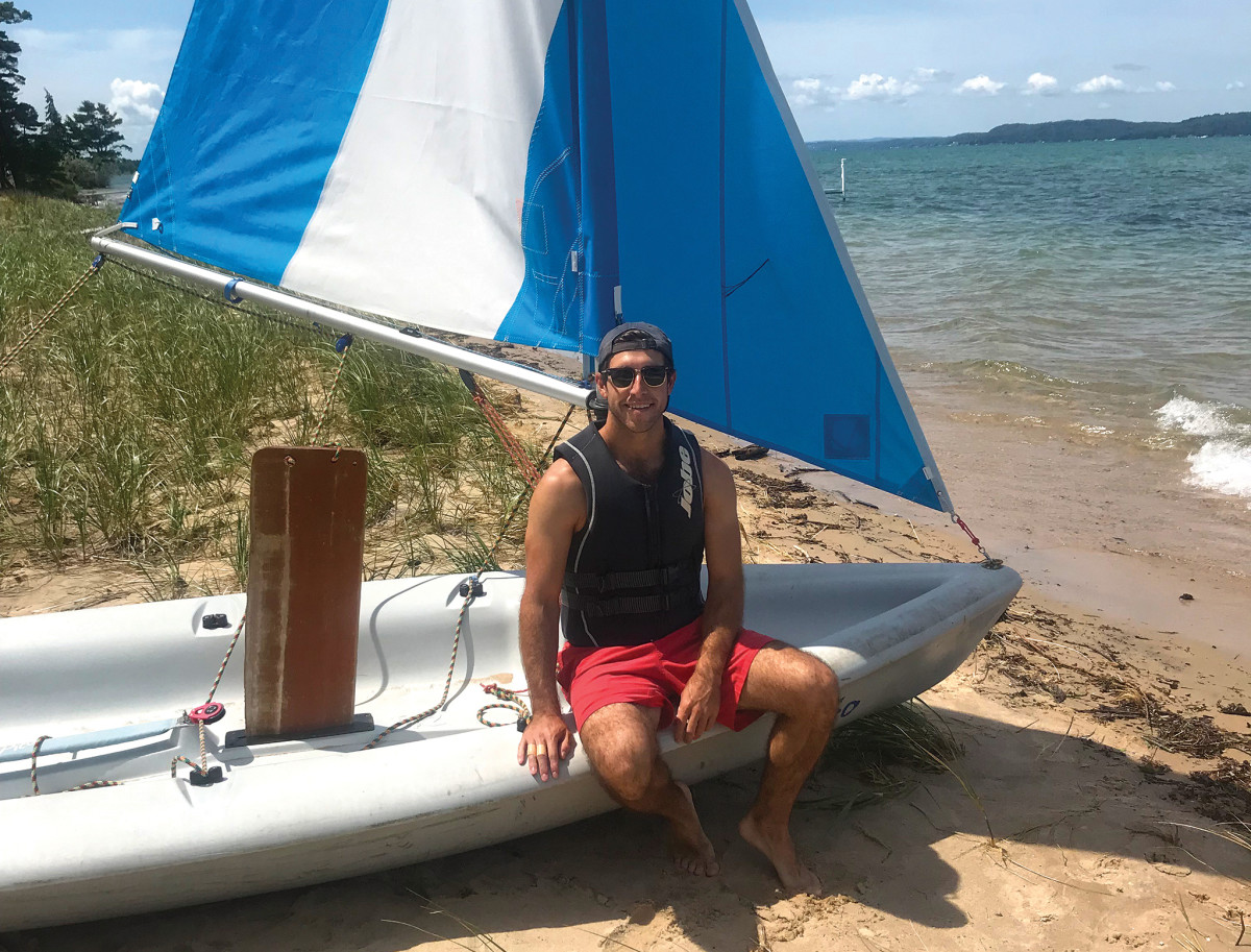 The author gets back to his small-boat sailing roots